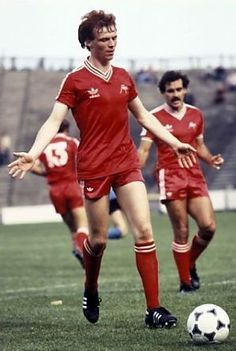 Alex McLeish Aberdeen 1981