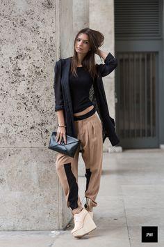chic style. Emily Ratajkowski