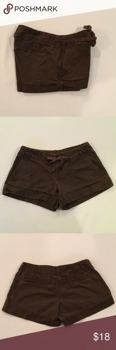 """Super Cute Gap Shorts Slightly Distressed Gap Shorts Size 1 Drawstring waist with Hook & zipper Brown in color 2 Front pockets & 2 faux back pockets  98% cotton and 2% spandex Waist 29"""" Rise 7"""" Inseam 3""""  Sorry I cannot ship for free nor can I change the price of the shipping as that is what the post office charges  EUC No stains, snags or damage Non smoking environment    Thanks for Looking , Molly M 1648 / W. 44 GAP Shorts Skorts"""