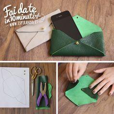 Come creare una pochette a busta fai da te. Da fare in soli 10 minuti! #DIY #fastDIY #leather Leather Gifts, Leather Pouch, Leather Jewelry, Leather Craft, Diy Handbag, Diy Purse, Drawstring Bag Diy, Little Presents, Diy Wallet