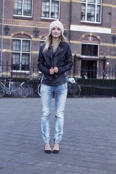 G-star Elwood jeans and  leather top, Pauw leather jacket, and Zara heels.. I LOVE BOYFRIEND JEANS! Love Boyfriend, Boyfriend Jeans, Zara Heels, Casual Hairstyles, Everyday Look, Everyday Fashion, Light Denim, Weather Wear, High Class