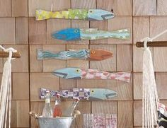 tropical outdoor decor Picket Fence Fish cute for towel racks Lake Cottage, Cottage Style, Coastal Cottage, Coastal Living, Cottage Chic, Tropical Outdoor Decor, Outdoor Art, Picket Fence Decor, Table Cafe