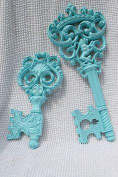 Vintage Syroco Keys - Painted Aqua. E x https://www.facebook.com/paigedenim?ref=ts=ts E x  www.weareraje.co.uk