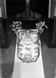 Netherlands, boy child on deathbed