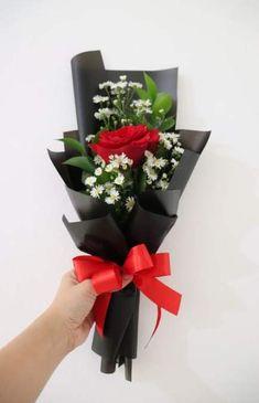 Flowers Online Same Day Delivery - St Valentin Fleurs Single Flower Bouquet, Flowers Roses Bouquet, Small Flower Bouquet, Small Flowers, Floral Bouquets, Red Roses, Flowers Vase, Red Rose Bouquet, Valentine Flower Arrangements