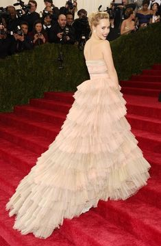 Suki Waterhouse | All The Pretty Dresses From The 2014 Met Ball