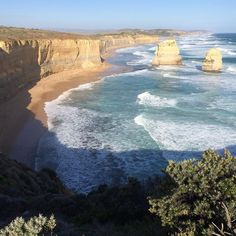 Take me back to the Great Ocean Road #melbourne #australia #victoria #greatoceanroad #12apostles #tbt #nofilter by arielchemtob http://ift.tt/1ijk11S