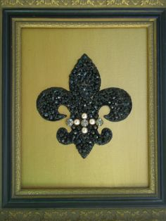 Beautiful framed fleur de lis embellished with onyx, swarovski beads, pearls...hmmm.