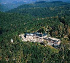 Schlosshotel Bühlerhöhe nimmt in Teilen wieder seinen Betrieb auf - Terrasse wird wieder geöffnet - Konzept für Hochzeiten - Hotelbetrieb ruht weiterhin http://hottelling.net/2013/06/27/schlosshotel-buhlerhohe-nimmt-in-teilen-wieder-seinen-betrieb-auf/