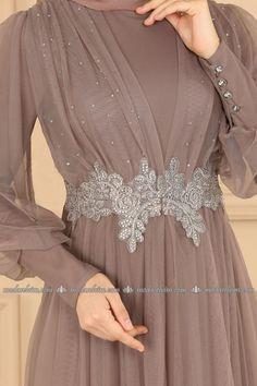 Dress Brukat, Long Gown Dress, Dress Outfits, Hijab Evening Dress, Hijab Dress Party, Dress Brokat Muslim, Dress Brokat Modern, Stylish Dress Designs, Stylish Dresses