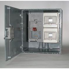 Commercializziamo cassette, armadi, quadri e accessori per l'impiantistica e sistemi di distribuzione di energia omologati ENEL.
