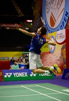 Lee Chong Wei (VOLTRIC Z-FORCE) plays a match in the 2013 BWF World Superseries Finals