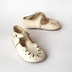 White Leather Baby Booties - 1950's Vintage, Perforated Leather Shoes / Sandals. £8,00, via Etsy.
