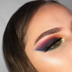 """887 Likes, 113 Comments - sara farré (@sarafarremua) on Instagram: """"Smokey rainbow • I decided to recreate @thestudiobykaypichy eye look and i LOVE how it turned out…"""""""