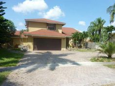 9580 SW 8TH ST,PEMBROKE PINES, FL 33025 *$234,900* Great Investment! 4 Bedroom, 3 bathroom home with large lot and a pool. The kitchen opens to the family room. On the 1st floor you have an office with French doors and built-ins. FOR MORE PICTURES OR INFORMATION ON THIS OR OTHER APPROVED SHORT SALE PROPERTIES, CLICK ON THE reotop10.com LINK JUST BELOW.