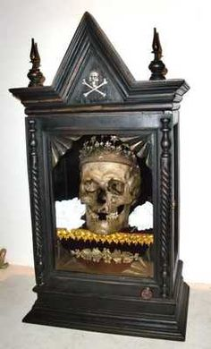 Memento Mori Victorian Curio Cabinet with Human Skull King Gold Crown