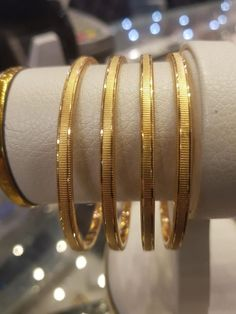 New Stylish Gold Bangles for Women - Indian Fashion Ideas Plain Gold Bangles, Gold Bangles For Women, Gold Earrings For Women, Gold Bangles Design, Gold Jewellery Design, Indian Gold Bangles, Bridal Jewellery, Diamond Jewellery, Silver Anklets Designs