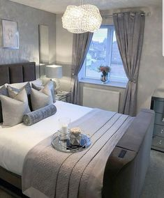 Master bedrooms decor - Credit inspire me home decor interior interiordecor Bedroom Colors, Home Decor Bedroom, Living Room Decor, Master Bedroom, Silver Bedroom Decor, Bedroom Ideas, Small Grey Bedroom, Grey Home Decor, Bedroom Furniture