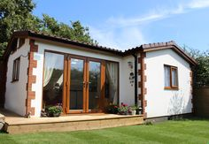 Your very own cottage in the garden.The Weaver Annexe is a beautiful cottage annexe, designed and built to the latest standards. Granny Flat Plans, Cottage Wallpaper, Weekend House, Cottage Style Homes, Spanish House, Small House Plans, Plein Air, Little Houses, New Homes