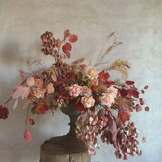 To paint ///After the bird flew away Dried Flower Arrangements, Floral Centerpieces, Wedding Centerpieces, Fall Flowers, Dried Flowers, Love Flowers, Ikebana, Floral Style, Floral Design