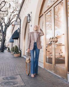 Modern Hijab Fashion, Street Hijab Fashion, Hijab Fashion Inspiration, Muslim Fashion, Work Fashion, Fashion 2020, Ootd Hijab, Casual Hijab Outfit, Hijab Chic