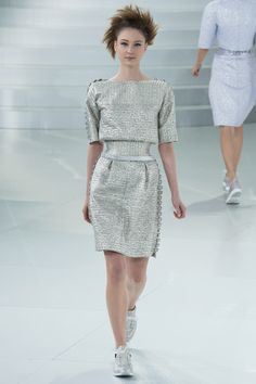 Chanel , Spring 2014 Couture - Various fibulas down the sides of the sleeves as done with the ionic chiton