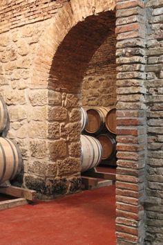 Un rincón de nuestra bodega. #calado Bodegas Riojanas. Cenicero. La Rioja. #LaRiojaApetece