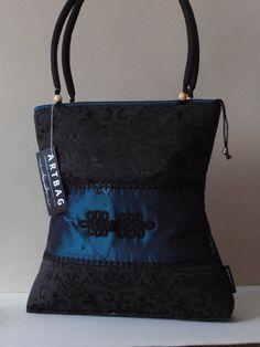 Fekete - türkiz, taft táska, zsinóros díszítéssel