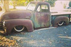 Body dropped rusty rat truck