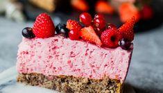 Bringebærkrem på nøttebunn   Oppskrift   Meny.no Coconut Sugar, Pavlova, Lchf, Cheesecake, Deserts, Food And Drink, Low Carb, Sweets, Baking