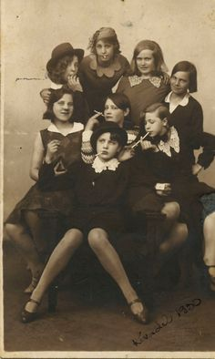 1930's Teen Delinquents - Someone really needs to make a movie out of this picture!