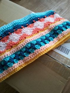 Week 5 crochet along 2014. 1 row dc, 1 row hdc, 1 row dc.  I think I might have to start this one soon!! Very pretty!