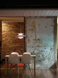 Concrete with peeling paint on it… old dinning room chairs (wall texture thoughts) Fitzroy Terrace / Welsh & Major Architects Interior Walls, Interior And Exterior, Bathroom Interior, Kitchen Interior, Modern Bathroom, Deco Design, Exposed Brick, Modern Kitchen Design, Kitchen Designs