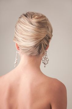 Bridal hair tutorial { Hair by Cammy Lau & headpieces by Marisol Aparicio }  http://jenfujphotography.com