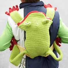 Lily: Download Free Pattern Details - Sugar n Cream - Frog Backpack (crochet). ☀CQ #crochet #bags #purses #totes