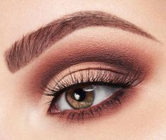 """@taniawallerx3 wearing from our NEW tarteist PRO Amazonian clay palette the shades: ✨ """"innocent"""" in crease & outer corner ✨ """"whimsey"""" in lower crease & outer corner ✨ """"smoked"""" with a smaller brush in lower crease & outer corner for more depth ✨ """"innocent"""" and """"whimsey"""" blended into lid shade & lower lash line ✨ """"smoked"""" right at the outer half of the lower lash line ✨ """"classic"""" on brow bone & inner corner ✨ tarteist PRO cruelty-free lashes in flirt.  #naturalartistry #rethinknatural"""