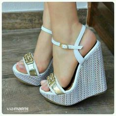 Best Shoes Soft colors and Details. The Best of wedges in Pretty Shoes, Cute Shoes, Me Too Shoes, High Heel Boots, Shoe Boots, Wedge Sandals, Wedge Shoes, Beautiful Sandals, Hot Heels