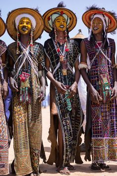 The Male Beauty Contest of the Sahara Desert (c) Weidinger #AfricanFashion