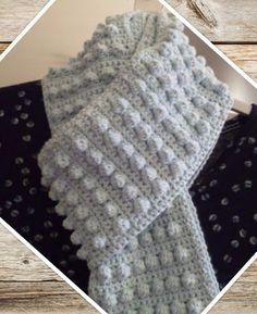 Haakpatroon Bolletjes Sjaal, lees meer over het patroon op Haakinformatie Crochet Scarves, Crochet Shawl, Crochet Clothes, Diy Crochet, Crochet Hooks, Crochet Baby, Vest Pattern, Free Pattern, Make Your Own Clothes