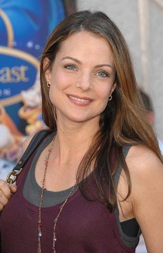 Kimberly Williams - True/Cool Summer - this color combo (the shirts, lip color) is ideal for me.