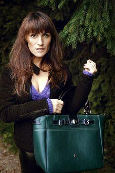 Magya handbag Byuti - green bottle color.