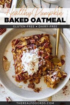 Baked Pumpkin Oatmeal, Baked Oatmeal Cups, Baked Oatmeal Recipes, Healthy Baked Oatmeal, Baked Oatmeal Casserole, Pumpkin Casserole, Baked Oats, Oatmeal Bars, Gluten Free Oatmeal