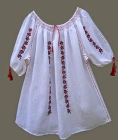 Folk Embroidery Tutorial Ie Oana Brezu iulie Tambour Embroidery, Hand Embroidery Flowers, Folk Embroidery, Learn Embroidery, Embroidery Patterns, Mexican Shirts, Girls Fashion Clothes, Peasant Blouse, Embroidery Techniques