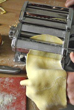 Pasta fatta in casa 8 - Homemade Pizza Pasta Casera, Fresh Pasta, Homemade Pasta, Gnocchi, Relleno, Fresco, Italian Recipes, Food And Drink, Cooking