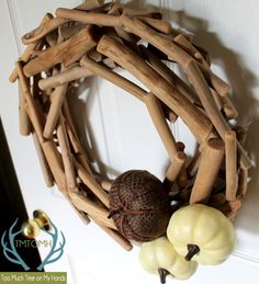 Neutral-Fall-Driftwood-and-Pumpkin-Wreath-from-TMTOMH-Too-Much-Time-on-My-Hands-3-copy1.jpg (600×659)