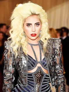 Lady Gaga's '80s inspired beauty look is perfect