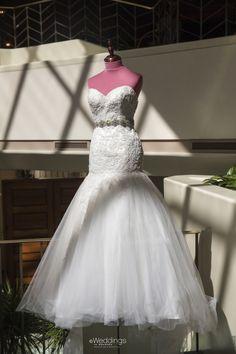 Sweetheart Neckline Wedding Dress: Winnie Chlomin ~ Photo: D. Jones Photography