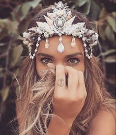 shell crown for mermaids and mermans.