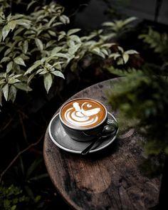 Coffee Shop Bar, Coffee Barista, Coffee Latte, Coffee Drinks, Coffee Shot, Coffee Time, Morning Coffee, Tea Time, Cheap Coffee