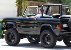 Simon Cowell Photos: Simon Cowell Cruising In His Classic Ford Bronco